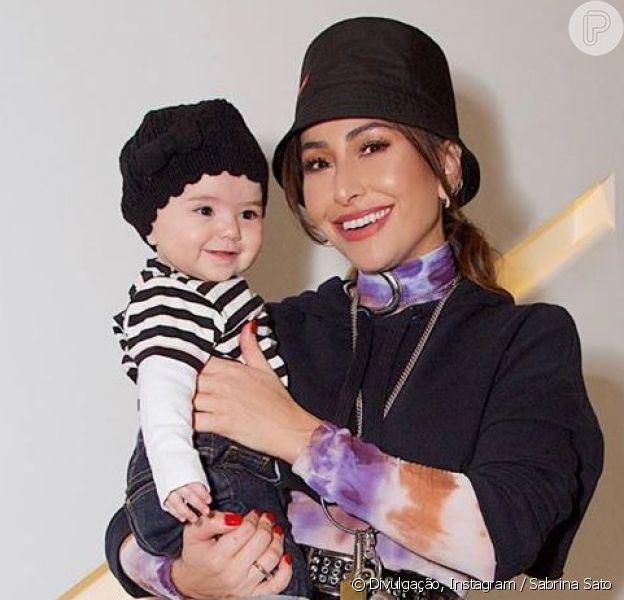 Sabrina Sato combina look preto com a filha, Zoe, em 24 de agosto de 2019