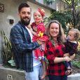 Mariana Bridi posta fotos com a família no Instagram