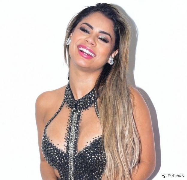Lexa contou que emagreceu 7 kg com dieta de Mayra Cardi nesta terça-feira, 10 de setembro de 2019