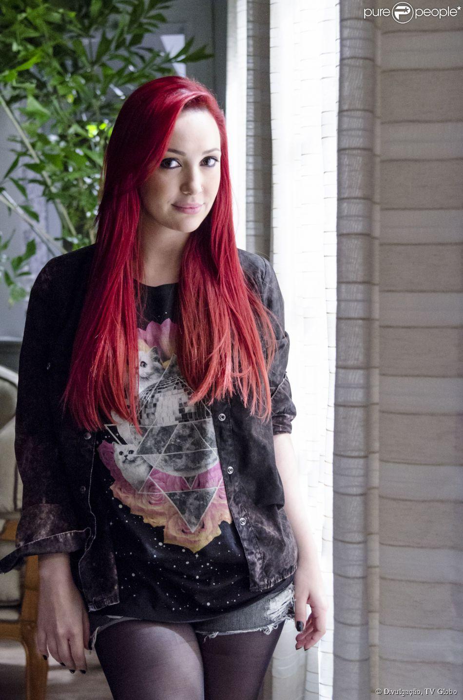 Josie Pessoa conta como cuida dos cabelos vermelhos que exibe como a Du, da novela 'Império'
