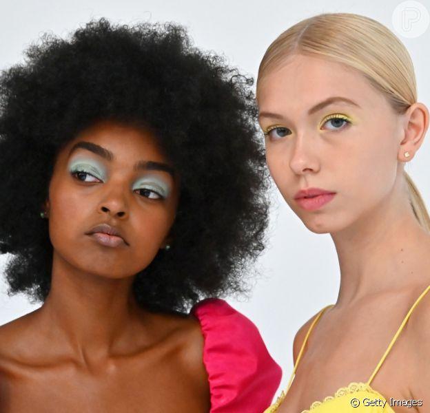 A make com sombras em tons pastel é uma das trends de beleza para o verão
