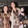 Sabrina Sato levou a filha, Zoe, para a Europa, junto com a mãe, dona Kika