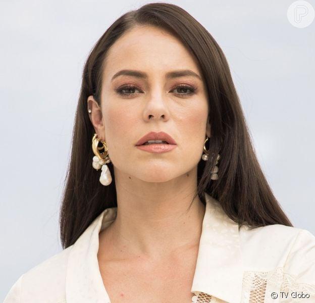 Vivi (Paolla Oliveira) descobre que é sobrinha de Maria da Paz (Juliana Paes) e se emociona na novela 'A Dona do Pedaço'