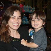 Bruna Hamu, Fernanda Gentil, Alex Escobar e mais famosos levam filhos a musical