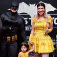 Filha de Cristiano, dupla de Zé Neto, Pietra, de 2 anos, roubou a cena durante show do pai em Araraquara, interior de São Paulo