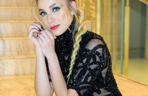 Irmã de Luan, Bruna Santana elege look com cristais bordados para baile. Fotos!