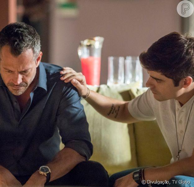 Novela 'A Dona do Pedaço': Agno (Malvino Salvador) e Leandro (Guilherme Leicam) vão se casar no último capítulo