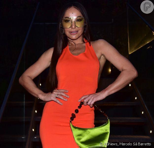 Sabrina Sato escolhe vestido laranja sexy para lançamento defralda da marca Pom Pom, em São Paulo, nesta terça-feira, 12 de novembro de 2019