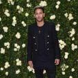 Neymar passeou com o filho pela Disneyland Paris