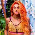 Pabllo Vittar lança clipe 'Amor de Que' com lace ruiva e look trends do verão