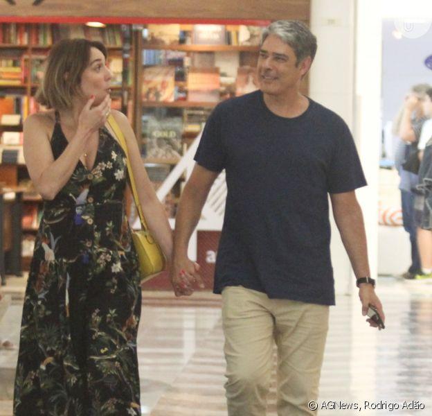 William Bonner e Natasha Dantas passeiam de mãos dadas em shopping da zona sul do Rio de Janeiro, nesse domingo, 15 de dezembro de 2019