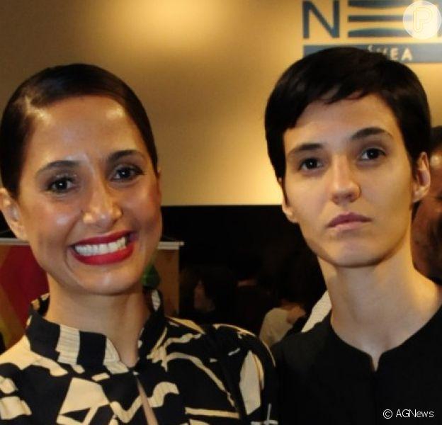Camila Pitanga recebeu visita da namorada, Beatriz Coelho, durante gravação de programa de TV: 'Amor'