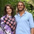 Isabella Santoni se pronuncia sobre fim de namoro. ' Eles seguem amigos com carinho e respeito um com o outro', diz assessoria da atriz