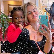 Giovanna Ewbank mostra Títi de biquíni e cabelo combinando: 'Aí, meu coração'
