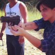 Thammy Miranda posta foto praticando tiro e recebe elogio da namorada, Linda Barbosa