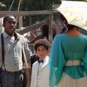 'Lado a Lado': Zé (Lázaro Ramos) conta para Isabel que está namorando Fátima