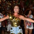 Juju Salimeni é a rainha de bateria da X-9 Paulistana. Modelo está fazendo dieta praticamente sem carboidrato: 'Mais perto do carnaval começo a comer um pouco mais para chegar ao dia do desfile com energia e músculos bem definidos'