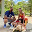 Ex-BBB Aline Gotschalg é casada com Fernando Medeiros, com quem tem um filho
