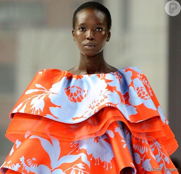 Moda 2020: color blocking, ombro nu e mais tendências direto do New York Fashion Week