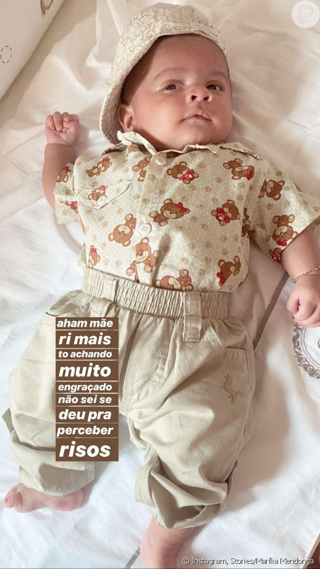 Marília Mendonça fotografa Léo com look combinando