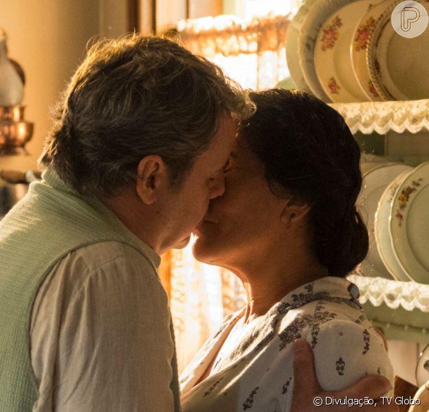 Novela 'Éramos Seis' altera cena do casamento de Lola (Gloria Pires) e Afonso (Cássio Gabus Mendes) por conta do coronavírus