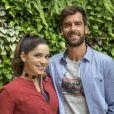 Novela 'Salve-se Quem Puder': Micaela (Sabrina Petraglia) tenta minimizar o clima com Bruno (Marcos Pitombo): 'Importa é que você descubra que é especial'