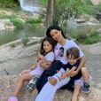 Os filhos de Simaria, Giovanna e Pawel, também apareceram no vídeo em família