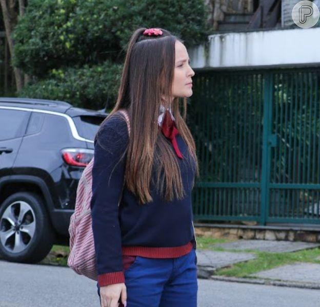 Novela 'As Aventuras de Poliana', Mirela (Larissa Manoela) recebe pedido de perdão de Zóio (Vyni Takahashi) no capítulo de terça-feira, 21 de abril de 2020