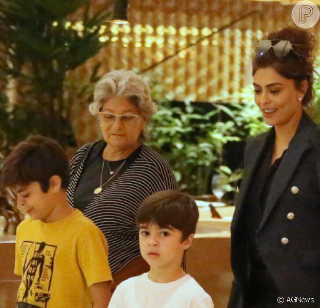 Juliana Paes lamentou distância da mãe, Regina, no dia do seu aniversário: 'Queria era dar um abraço nela'