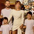 Juliana Paes está passando a quarentena com o marido, Carlos Eduardo Baptista, e os filhos, Pedro e Antônio