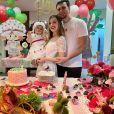 Thaeme Mariôto e o marido, Fábio Elias, organizaram uma festa para a filha