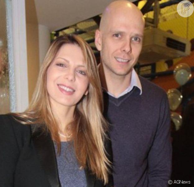 Sheila Mello posta foto com namorado e recebe mensagem do ex-marido, Xuxa, em 23 de maio de 2020