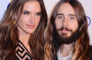 Alessandra Ambrosio posa com Jared Leto em evento de moda em Nova York, EUA