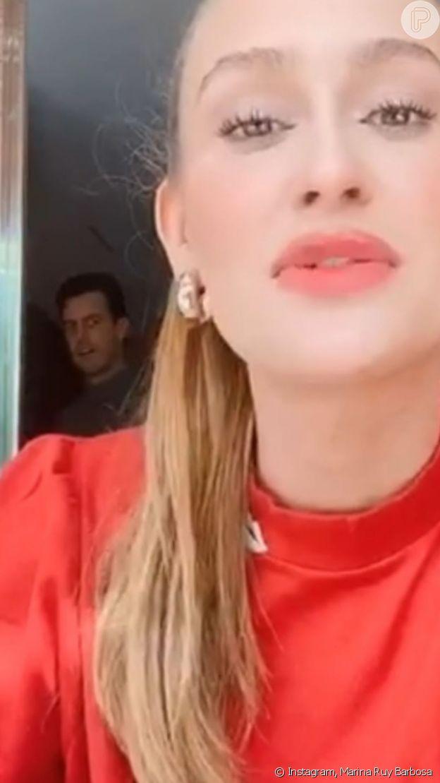 Marina Ruy Barbosa mostra marido, Xande Negrão, interrompendo gravação de campanha