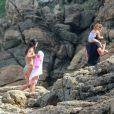 Yanna Lavigne vestiu um biquíni para o dia de sol com a família