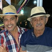 Zezé di Camargo faz festa junina e semblante do pai emociona web: 'Saudável'