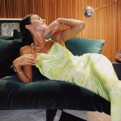 Casa de Bruna Marquezine agita web em fotos. Veja decoração minimalista e alegre