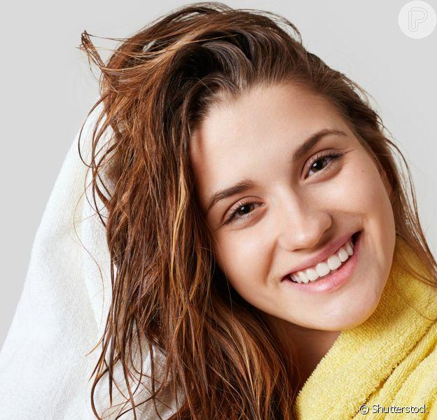 Você sabe lavar os cabelos corretamente? Confira as dicas