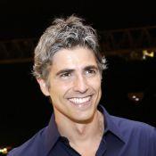 Reynaldo Gianecchini surge de cabelo branco e Tatá Werneck elogia: 'Já peguei!'