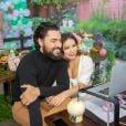 Liah Soares e o noivo, Carlo Porto, organizaram chá de bebê virtual