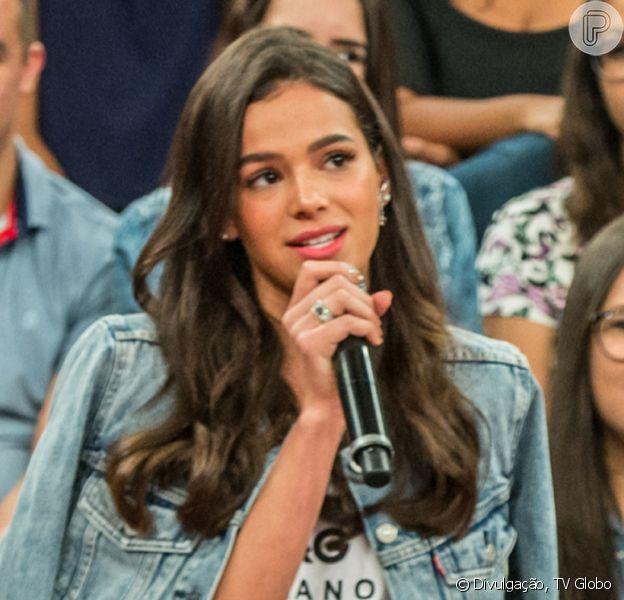 Bruna Marquezine dubla áudio do meme 'cabeleireira Leila' e diverte fãs