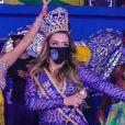 Simony foi coroada rainha de bateria da Unidos do Peruche, escola do Grupo de Acesso 2 do carnaval de São Paulo: 'Obrigada por tanto amor e carinho'