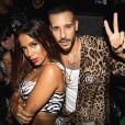 Anitta posa com rapper italiano Fred de Palma na primeira apresentação do dueto 'Paloma'