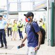 Neymar chegou no Estádio da Luz, em Portugal, ouvindo 'Só Love', de Claudinho de Buchecha