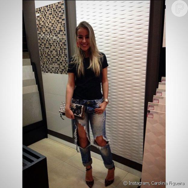 Léo Chaves engata namoro com a designer de interiores Carolina Figueira