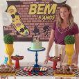 Luana Piovani mostrou a decoração da mesa do bolo de Bem, com o tema skate
