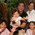 Filho mais novo de Wesley Safadão é comparado a irmão em fotos de aniversário