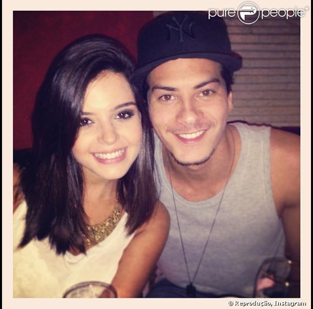 Giovanna Lancellotti parabeniza o namorado, Arthr Aguiar, por completar 24 anos neste domingo, 3 de março de 2013
