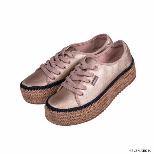 Sapato da miss Brasil Julia Horta, disponível na loja da ONG Cabelegria