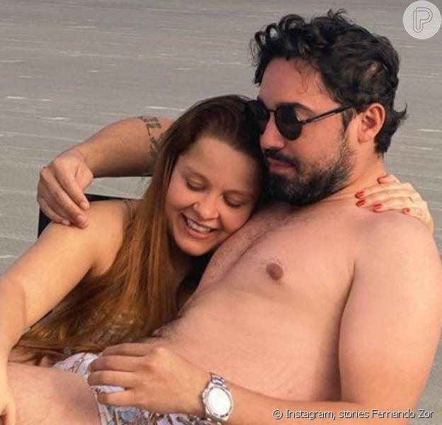 Maiara e Fernando Zor usam look combinado em foto na cama